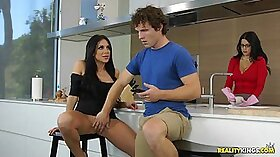 BBC MILF Wife taking Vyper Video