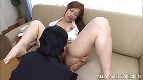 Asian housewife Tara gets her pussy made up
