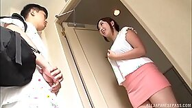 Adorable Japanese chick gets her cunt fully stimulated in massage parlor