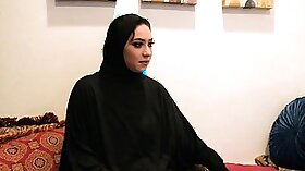 Amateur Arab Ghetto Slut While Being Fucked Online