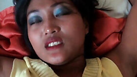 Amateur asian girl takes dick and creampie