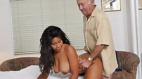 Black guy pounded thick whore at home